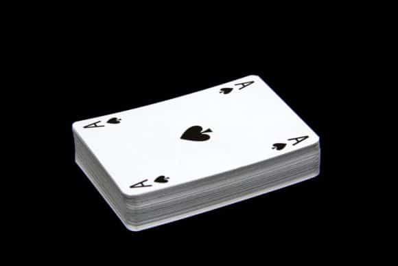 Tjana pengar Maria Poker